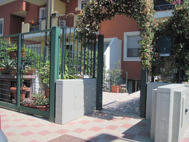 New Sweet Sardinia Apartment (4 posti letto), Ferienwohnung in Elmas