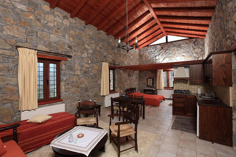 Arodamos Traditional Houses, vacation rental in Sarkhos