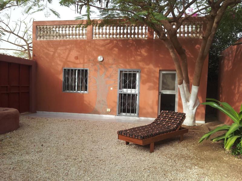MBOUR location chambre meublée à 500 de la plage, vacation rental in La Petite Cote