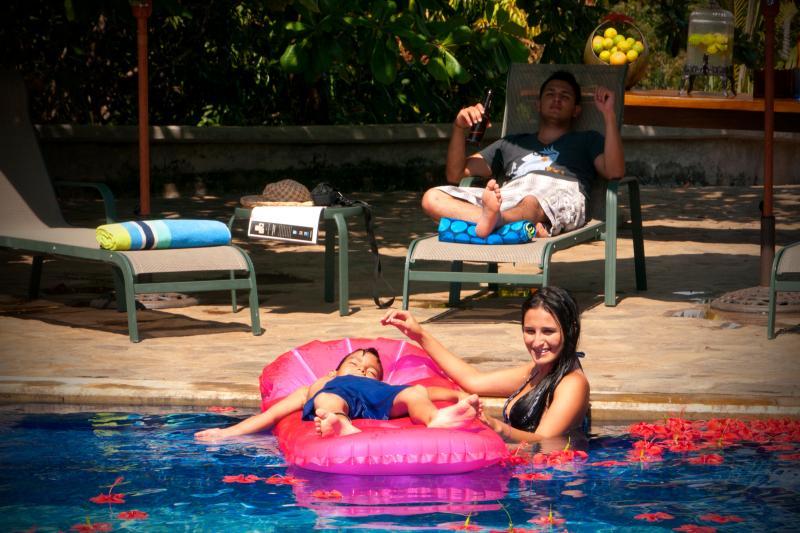 EcoFriendly 5 Home Estate Outside Jaco, aluguéis de temporada em Tarcoles