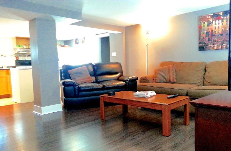 Amplia y luminosa sala de estar