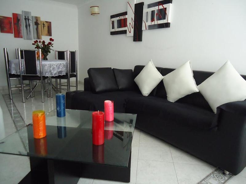 3 DORMITORIOS, GARAJE, GIMNASIO, BARBACOA, CAP 4 P, location de vacances à Tocancipa