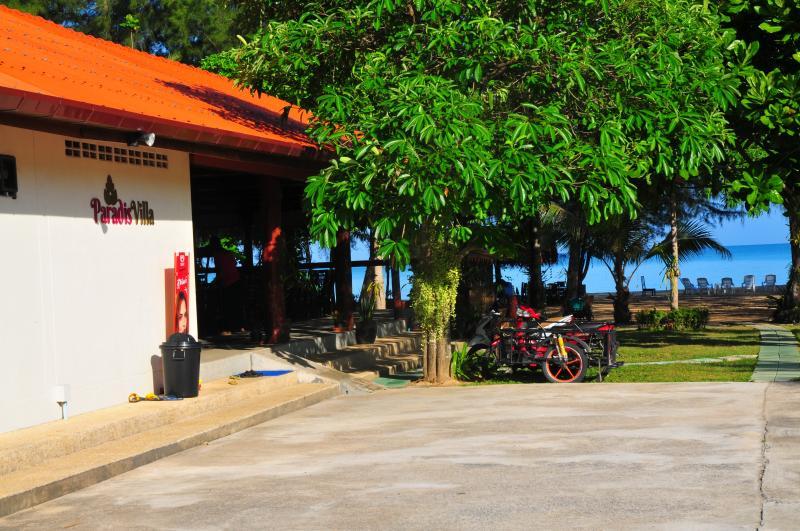 The restaurant at Paradis Villa