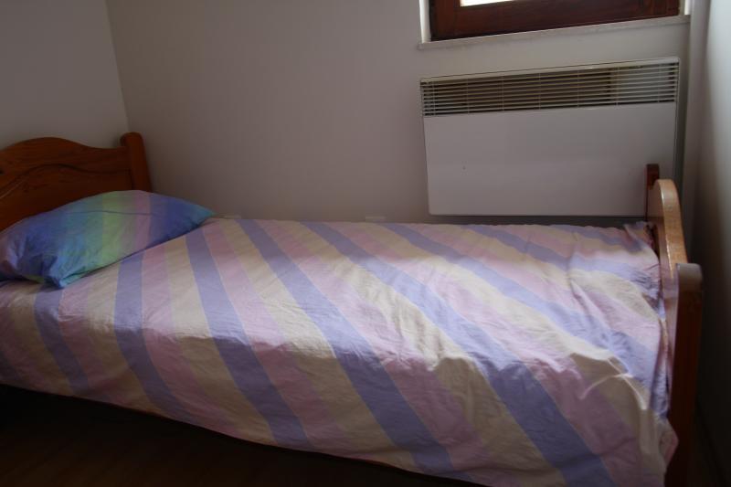 Chambre 2 - lit