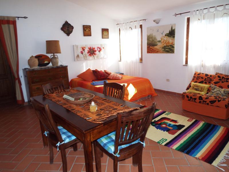 Vacanze in Relax, fra Terme e splendide colline Toscane. Casa la Mimosa, holiday rental in Pratolungo