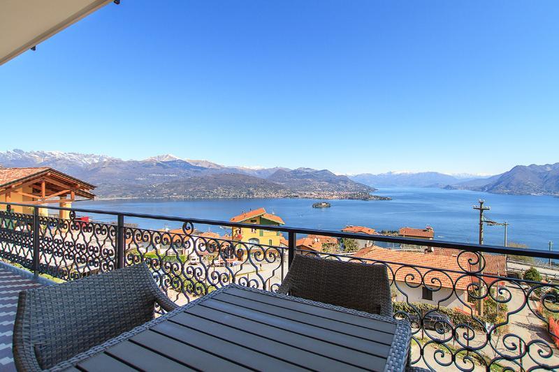 Suite West Lake View, Luxury Apartment in Stresa, vacation rental in Stresa