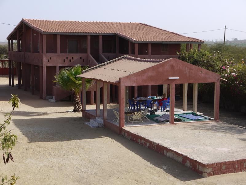 Chambres à Yene Sénégal - Keur Elimane, location de vacances à Popenguine