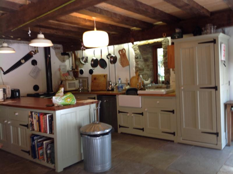 Nice country Kitchen Stanley range cooker and ceramic hob