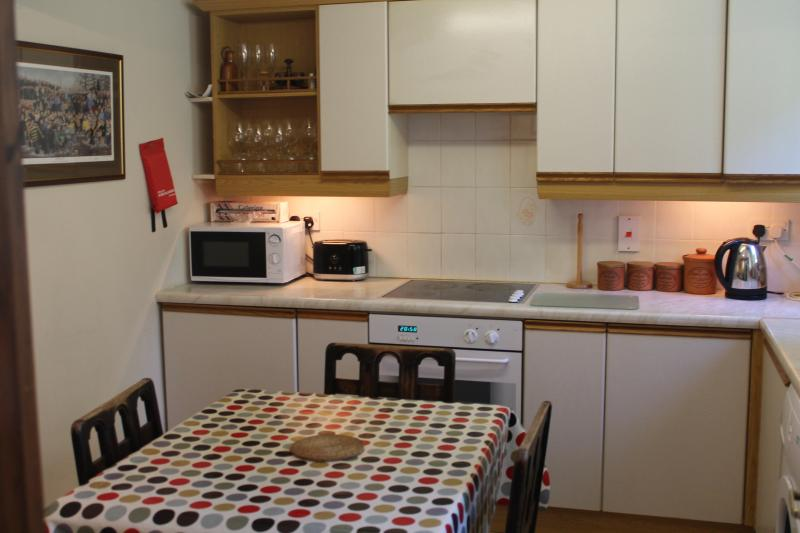 Clean, smart, functional, kitchen diner