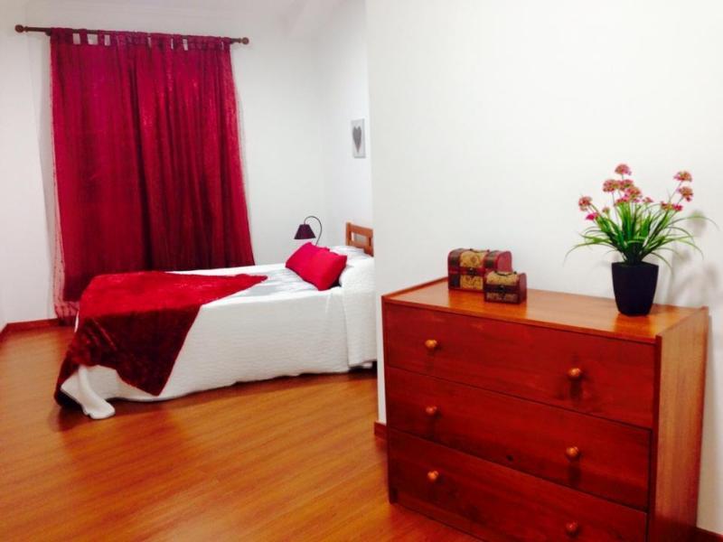 burgandy bedroom