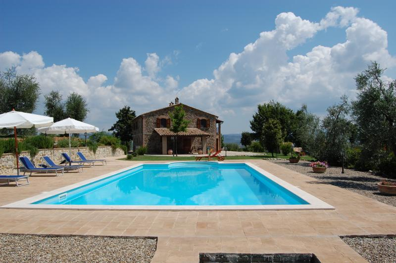 Villa Solaria Orvieto enjoys a nice position and Absolute Privacy
