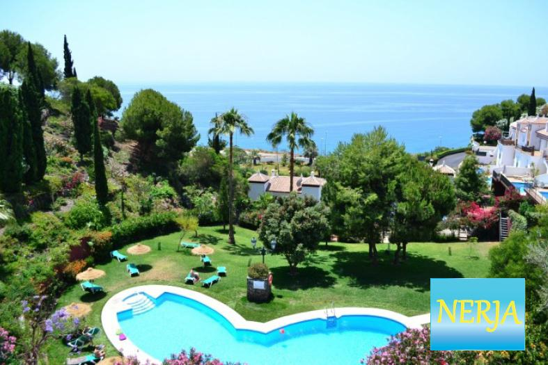 Apartamento con espectaculares vistas al mar., holiday rental in Nerja