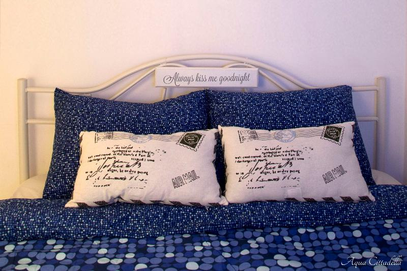 Aqua Cittadella-room on the 3rd floor for three people. Double bed. Details.