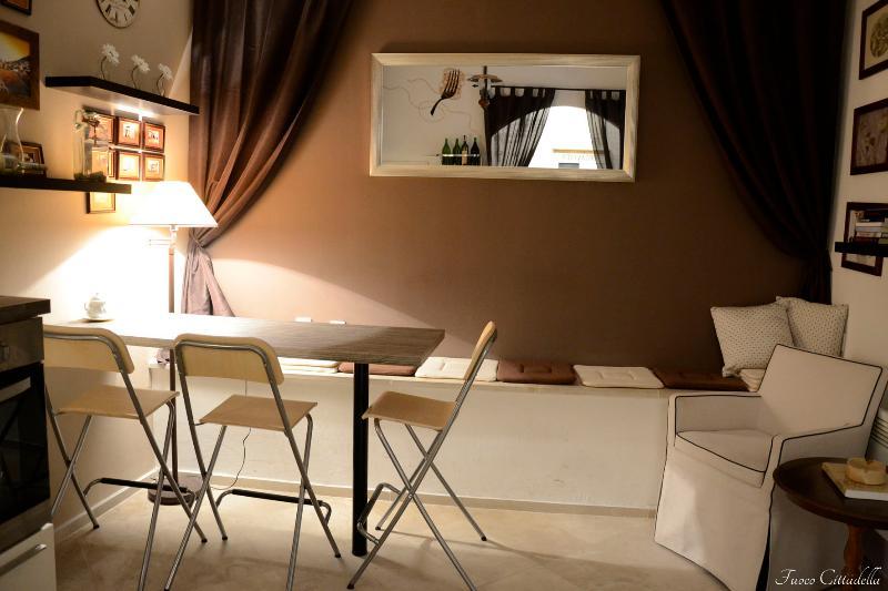 Fuoco Cittadella-cuisine au rez de chaussée. Espace partagé pour tous les invités. Des collations rapides et relax