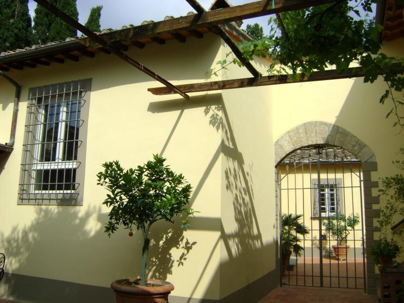 view villa entrance