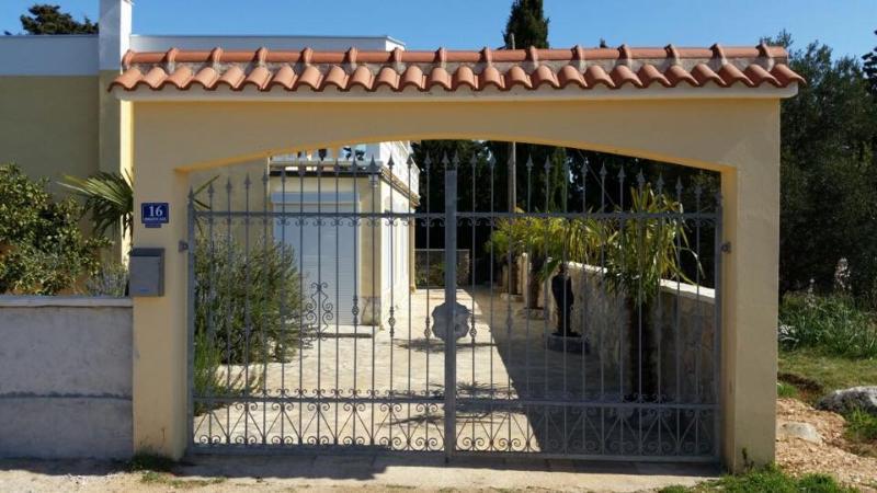 Kuća Ugljan-Čeprljanda, alquiler vacacional en Lukoran
