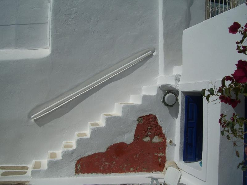 Staircase to 1st floor