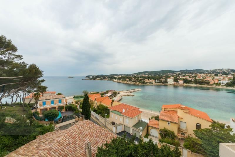 Sea View -  2min Beach - Bandol - Riviera, aluguéis de temporada em Bandol