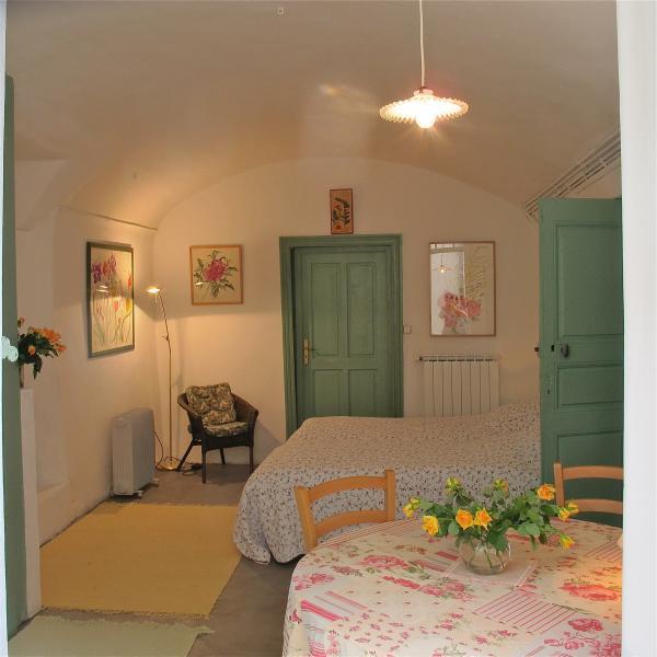 Nicolas's bedroom, location de vacances à La Cadière-et-Cambo