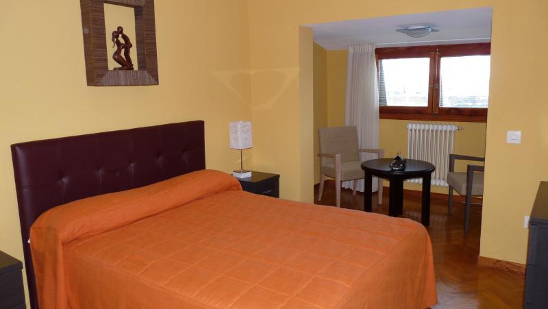 dormitorio principal con mirador