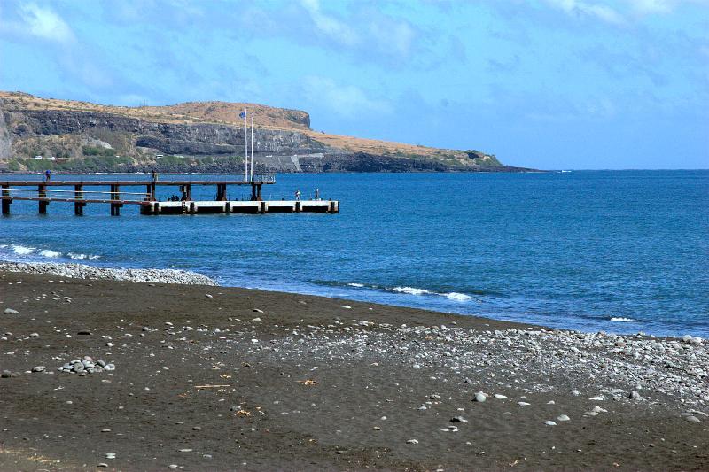La baie de SAINT PAUL, berceau de La Réunion, où repose le pirate La Buse