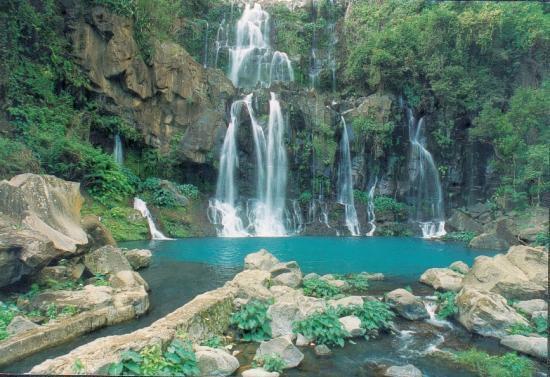 Laissez vous charmer par le bassin des aigrettes, un des nombreux lieux de baignade de l'île