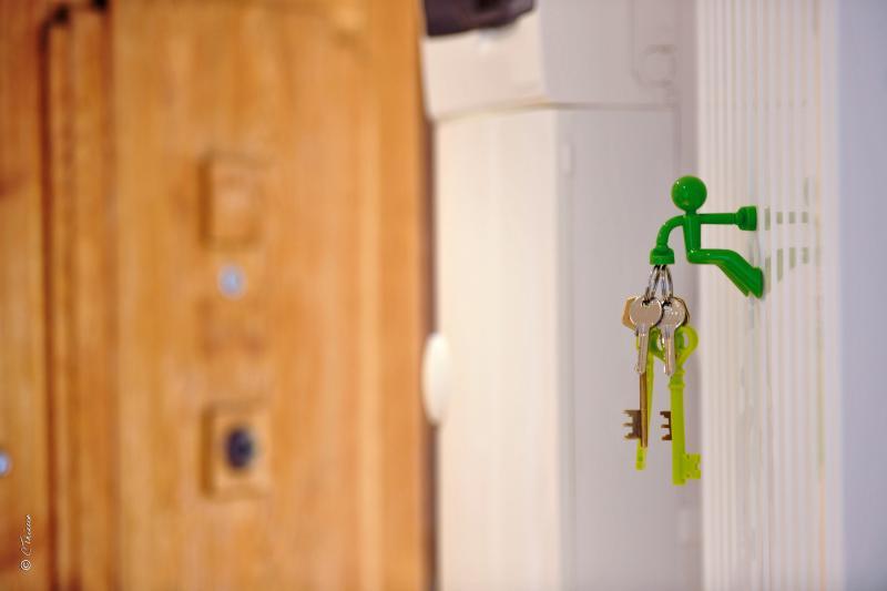 Porte d'entrée et clés appartement La Suite des Cèdres