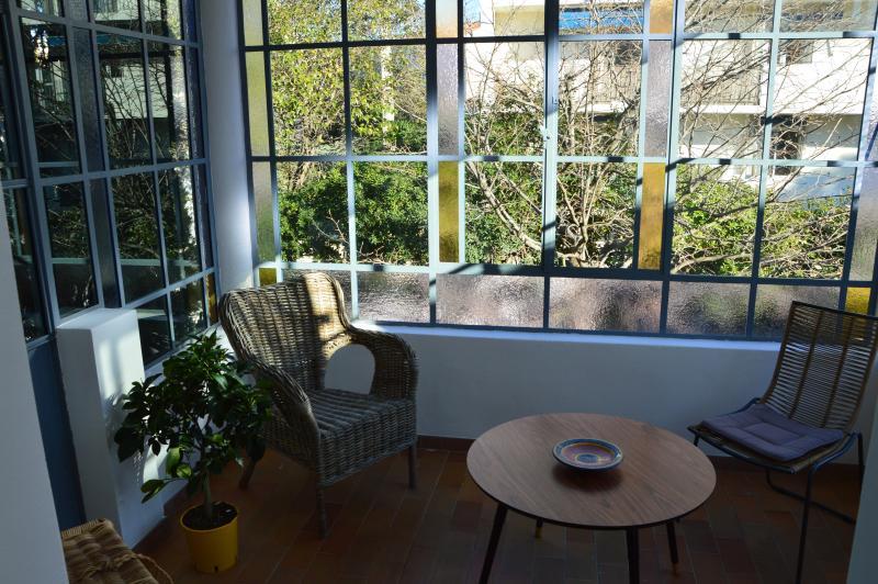 Salvia (44m2) Appartement tout confort avec véranda d'époque (2 personnes), location de vacances à La Ciotat