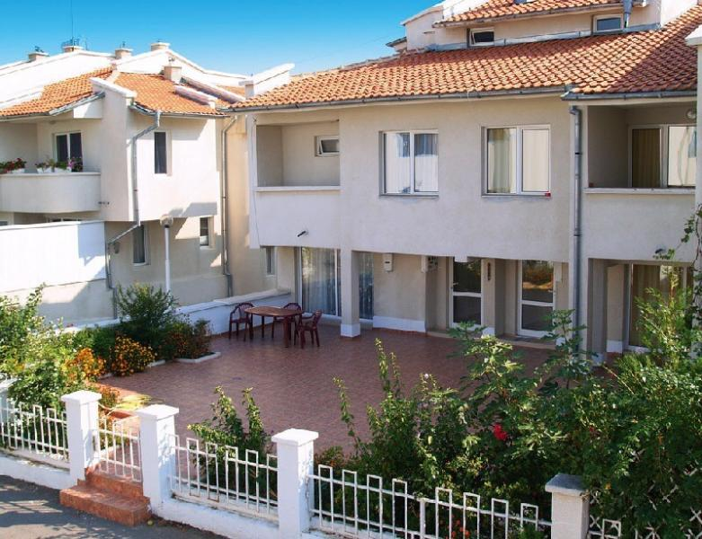 Houses above the beach, holiday rental in Sveti Vlas
