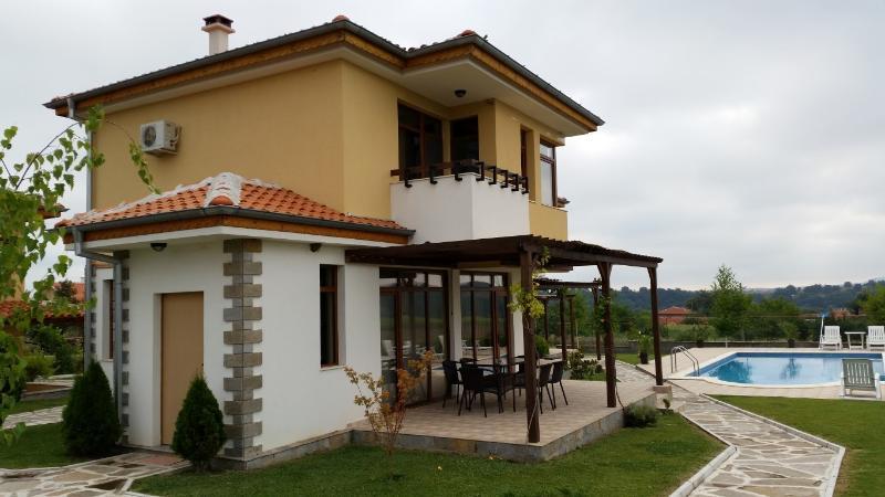 Nicodia Estate - Villa C - Perperikon, Haskovo & Kardjali - 20km range, holiday rental in Haskovo Province