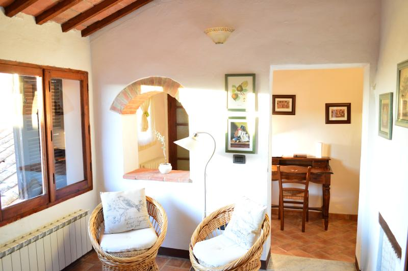 The Little Arch of Memory, holiday rental in Montepulciano