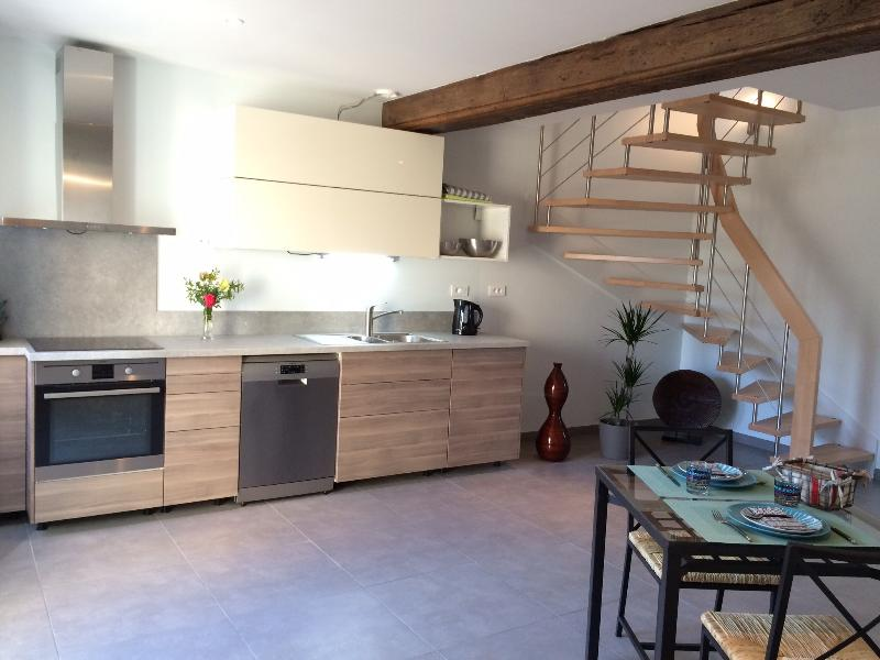 Le Costelor, une jolie petite maison style loft, holiday rental in Demigny
