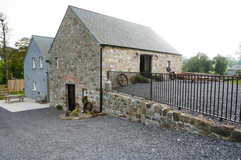Leginn Cornmill & Cottage, holiday rental in Derrylin