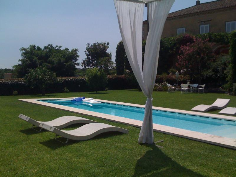 Home Suite Home - Etna view, holiday rental in Giarre