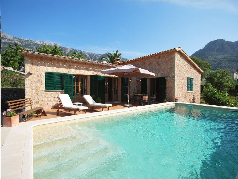 Villa ana, vacation rental in Soller