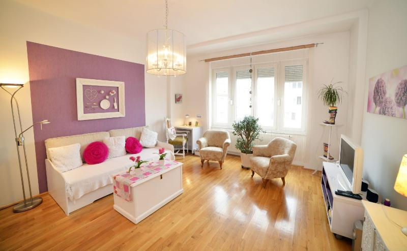 Downtown Apartment, vacation rental in Zagreb