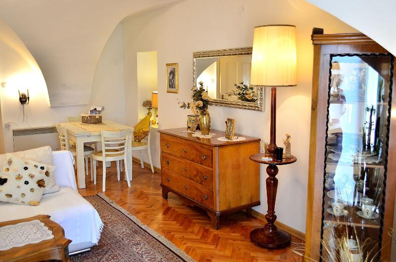 Apartment Baroque in the beautiful Old Town, vacation rental in Zagreb