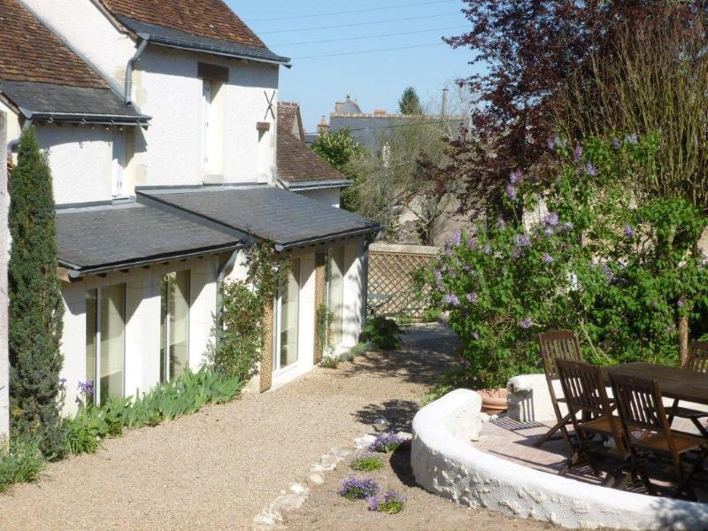Authentic cottage in the countryside of Amboise, vacation rental in Amboise