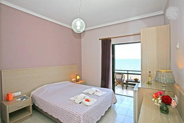 DOUBLE ROOM BY THE SEA, vacation rental in Kissamos