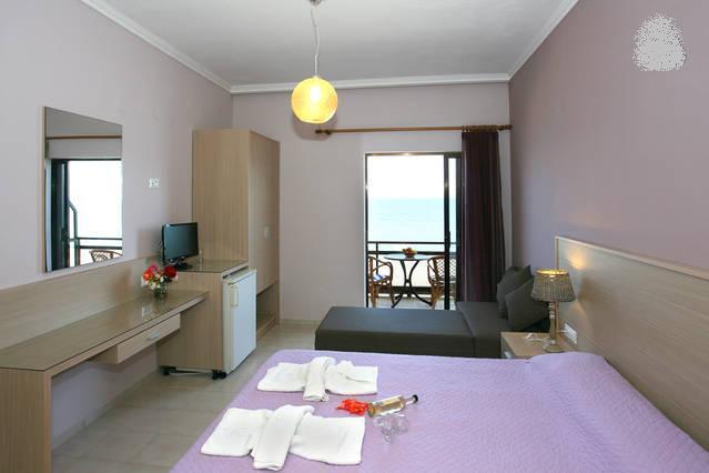 TRIPLE SEA VIEW ROOM, vacation rental in Kampos