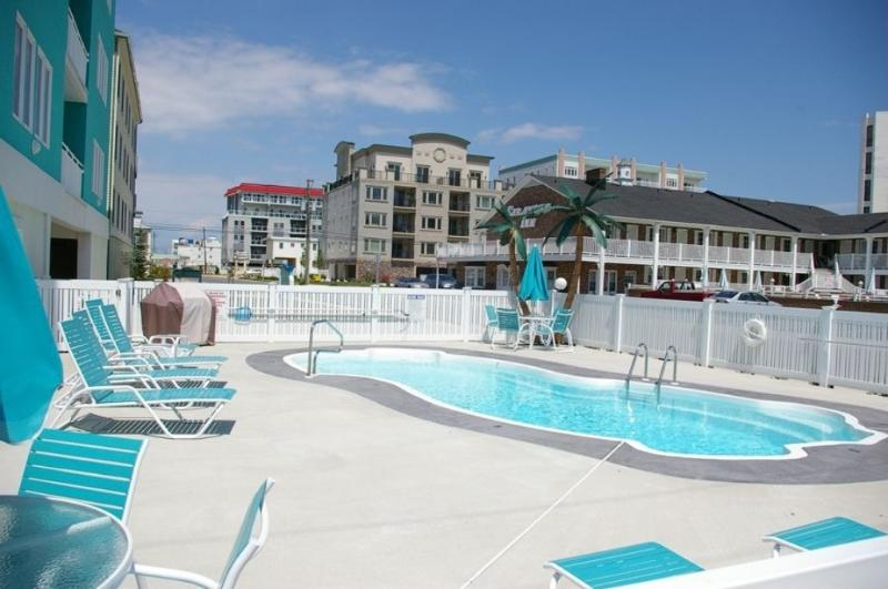 4 Bdr * Pool * Steps to Beach * Elevator, aluguéis de temporada em Wildwood Crest