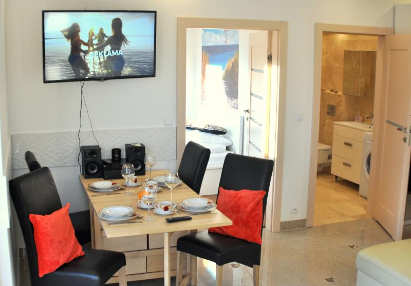 RESIDENCE WIND ROSE GDANSK - ApartHotel two bedroom 1, holiday rental in Postolowo