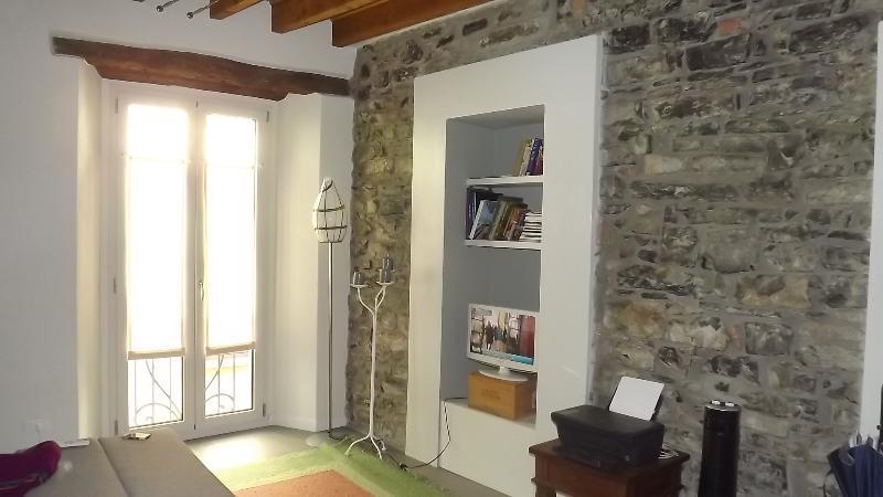 bellissimo bilocale in centro storico di Como, holiday rental in Brunate
