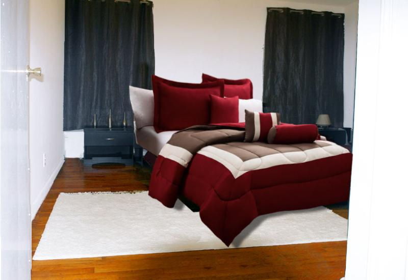 BEAUTIFUL BEDROOM WITH QUEEN SIZE PLATFORM JAPANESE BED WITH COMPLETE PRIVATE BATHROOM/ TABLE.