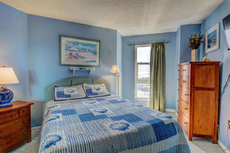 Master Bedroom (view 1)