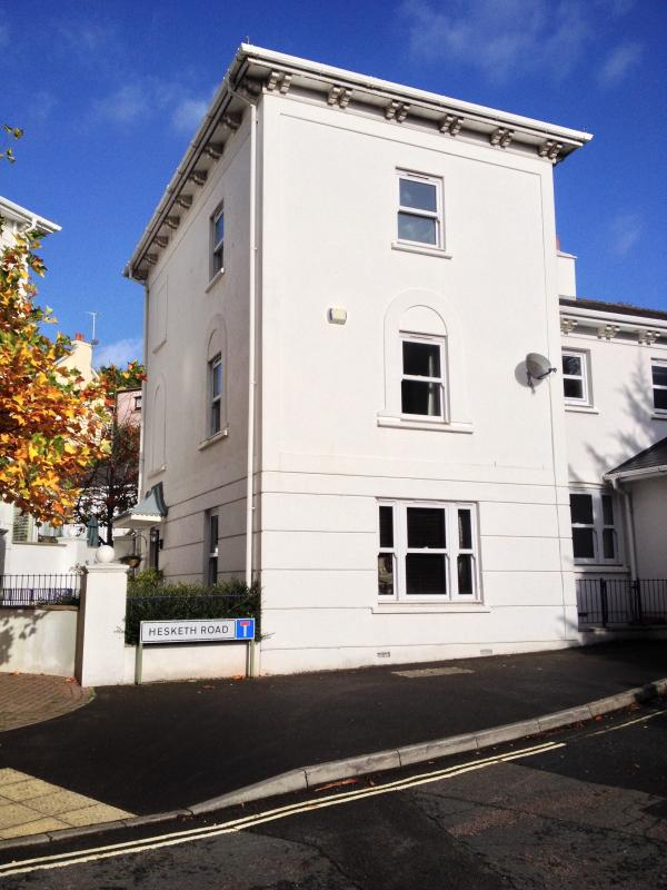 Torquay Townhouse - 4 Bed Townhouse with Hot Tub Spa Meadfoot Beach Torquay Devon