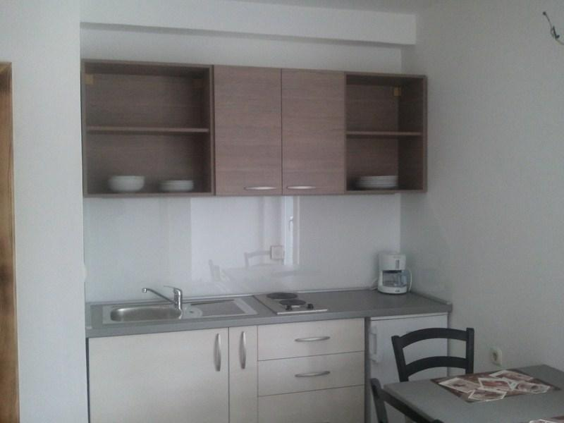 Apartment for 2 persons, by the sea, vacation rental in Tribunj