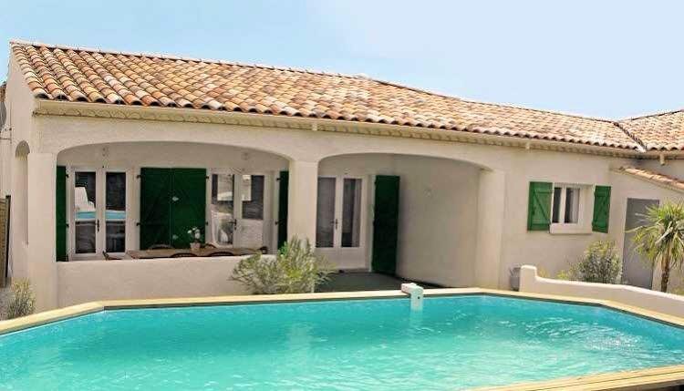 Villen mit Pool zu vermieten in Frankreich, für 6-8