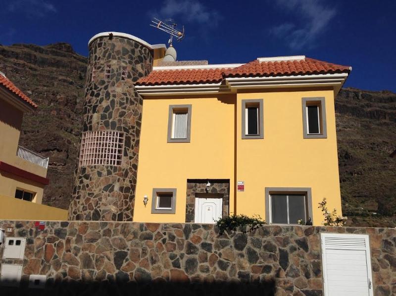 Villa Fortuna, No 2, holiday rental in Arguineguin