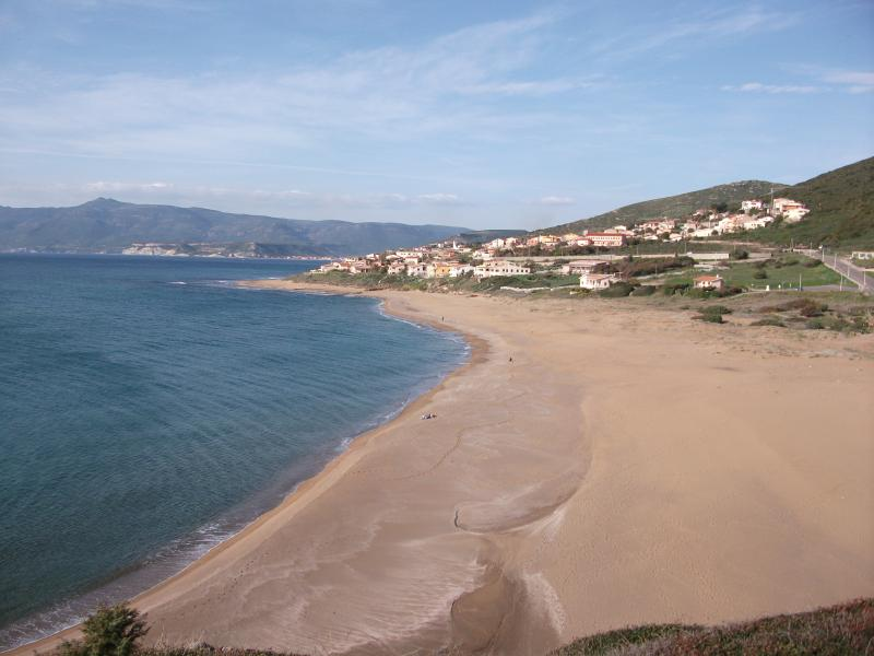 Porto Alabe beach nearby